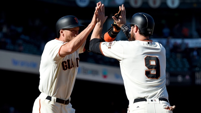 Giants Walk Off on Blue Jays to Avoid Sweep