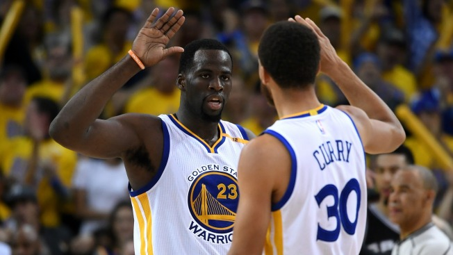 Warriors Erase 25-Point Deficit, Stun Spurs in Game 1