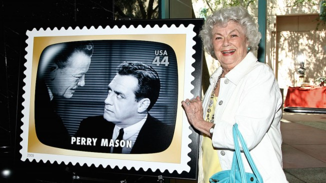 'Perry Mason' Actress Barbara Hale Dies at 94