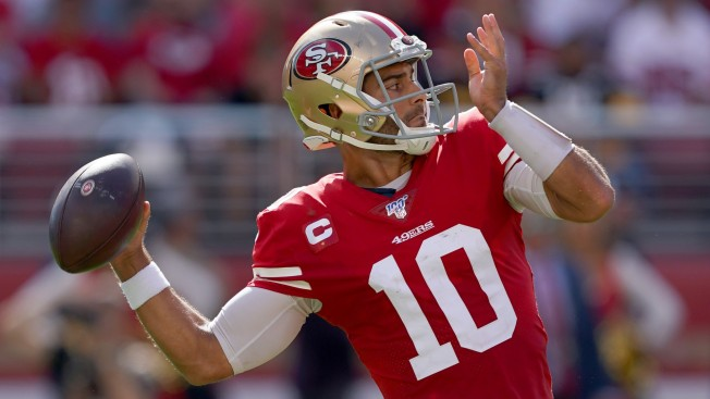 Garoppolo Hitting Stride for 1st Prime-Time Start With 49ers