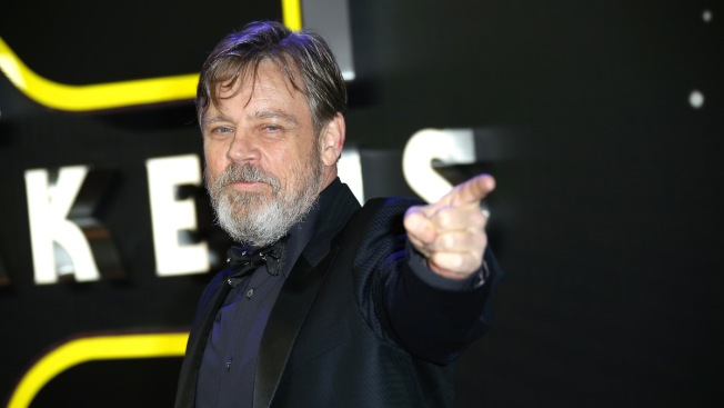'Star Wars' Actor Mark Hamill Strikes Back at Fake Autograph Industry