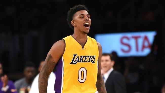 NBA free agency: Warriors announce signing of Nick Young