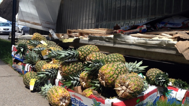 Truck Dumps Pineapples on NYC Expressway