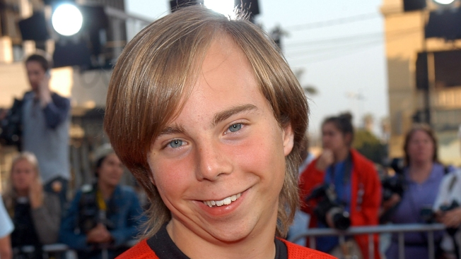Beans From 'Even Stevens' Is Working as Santa's Helper at Sun Valley Mall in Concord