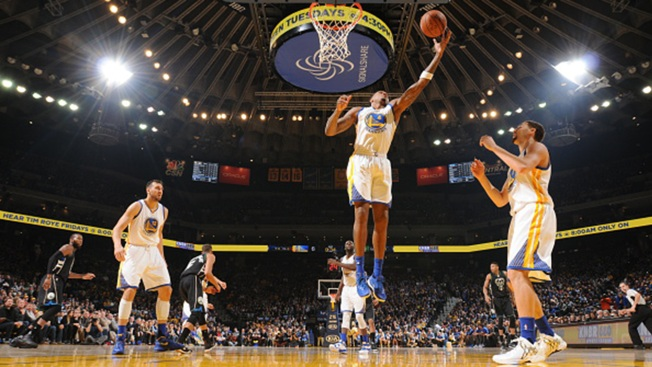 Warriors Claw Back, Avoid Second Loss to Bucks
