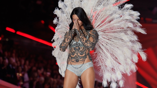 Adriana Lima Bids Tearful Farewell to Victoria's Secret Fashion Show