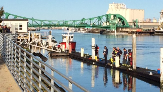 Alameda Fire Rescue Swimmer Pulls Drowning Man Out of Submerged Vehicle in Oakland Estuary