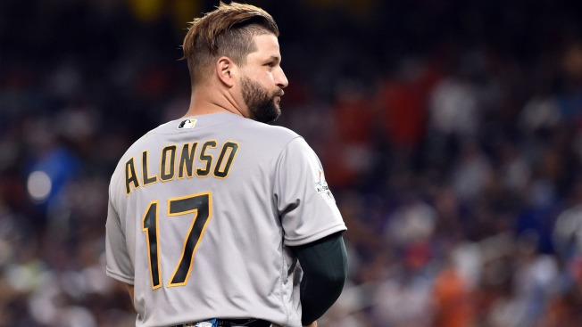 A's Trade Yonder Alonso to Mariners