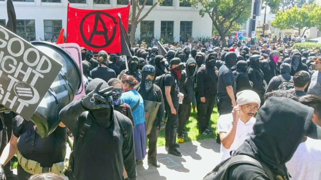 'Antifa' activists violently disrupt right-wing rally in Berkeley