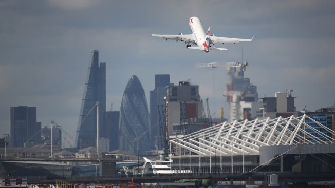 BA apologizes for delays caused by computer glitches