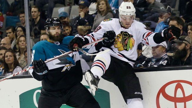 Jones, Ward lead Sharks to over Blackhawks 2-1