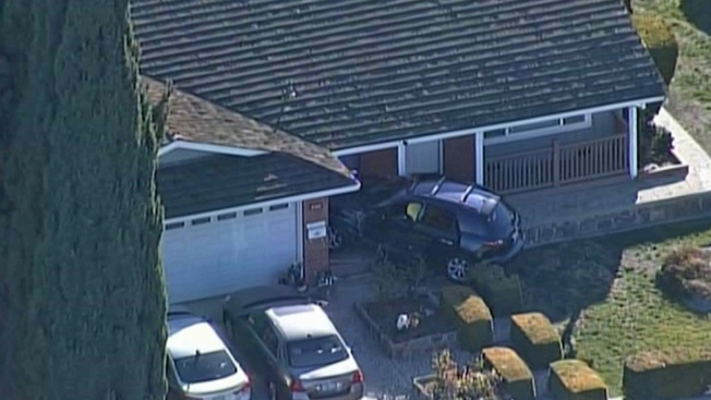 SUV Crashes Into San Jose Porch, 1 Injury