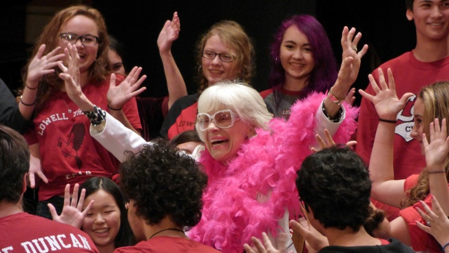 Carol Channing, Lowell High School Alum, Serenaded By Students