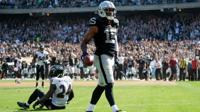 Oakland Raiders want to get Amari Cooper's 'confidence rolling'