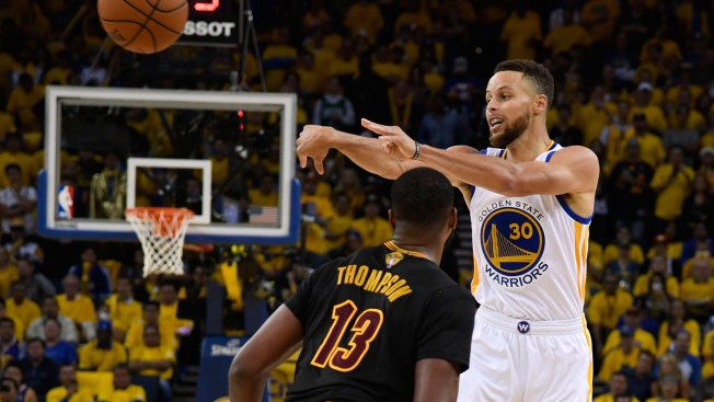 Warriors Go Back to Basics Early in Camp, Work on 'a Big Thing for Us This Year'