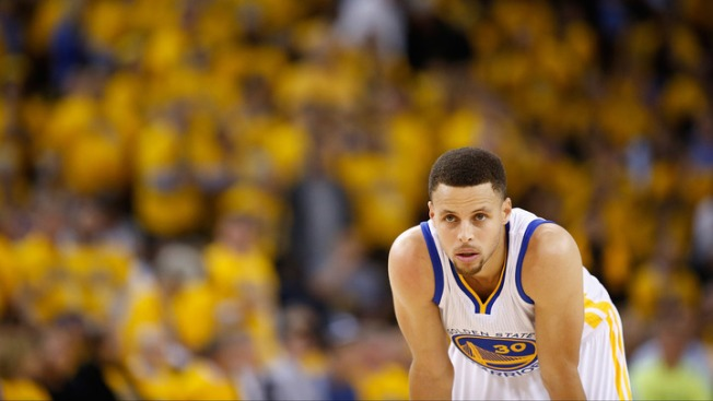 Warriors' Stephen Curry Confident in Healing Knee