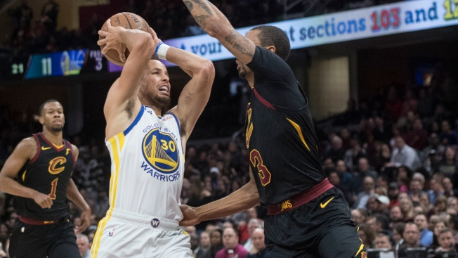 Steph Curry Pours in 42 in Warriors Win Over Cavs