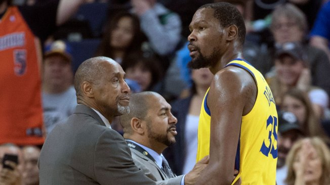 Durant Downplays Concern Level Over Technicals, But Warriors Need Him to Be Careful