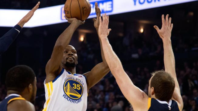 Warriors Tune Out Jazz in Third Quarter, Roll to Blowout Win