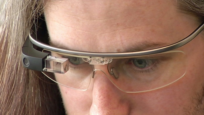 Google Resumes Glass Sales In The US