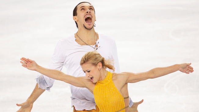 Volosozhar and Trankov of Russia Win Pairs Gold