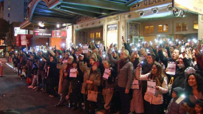 Hundreds 'Shine a Light' For Ghostlight Project at SF's Geary Theater