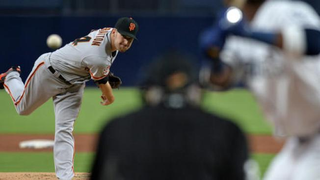 Stratton, Giants Make Easy Work of Padres in 7-0 Win