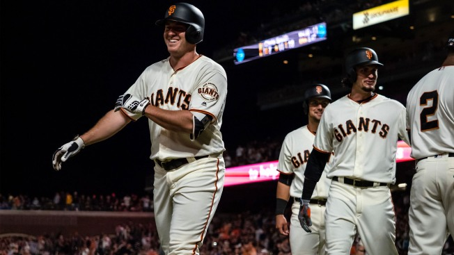 Giants Dominate A's to Split Bay Bridge Series