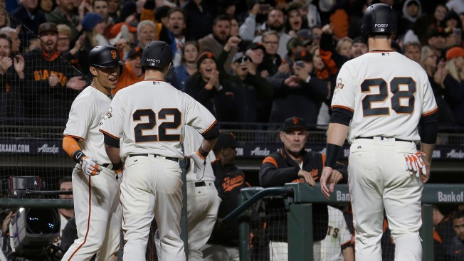 Giants Come From Behind To Stun Dodgers In 10 Innings, 4-3