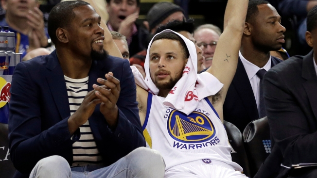 Curry shakes off rugged start to lead Warriors past Pelicans