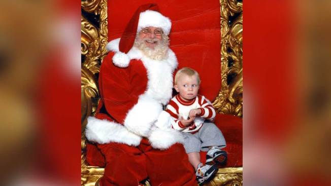 Toddler's Distress Signal From Mall Santa's Lap Goes Viral