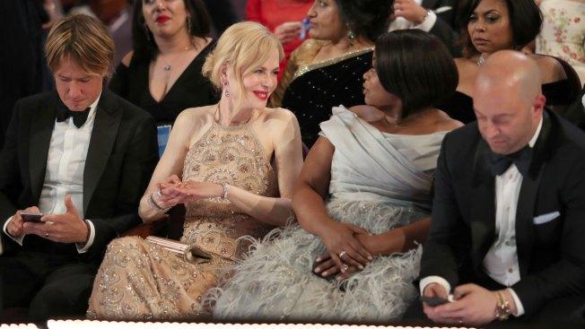 Nicole Kidman Explains 'Seal Clap' at 2017 Oscars