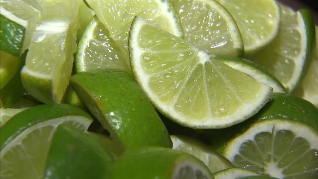 Some Airlines Drop Limes From Beverage Service