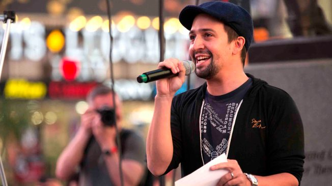'Hamilton's' Lin-Manuel Miranda Calls for Action on Puerto Rico's Debt Crisis