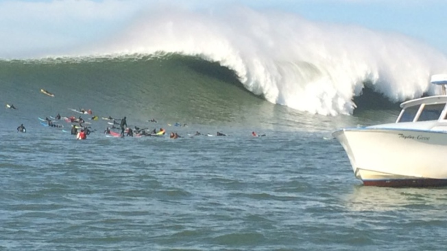 Massive Waves at Mavericks, But Titans Surf Contest on Hold Due to Super Bowl 50 Blackout