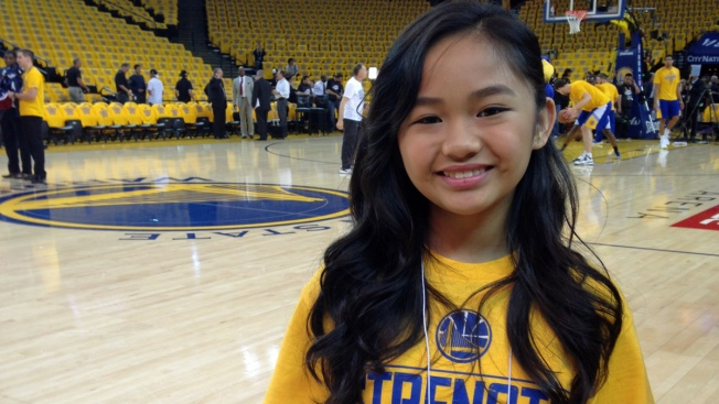 """Warriors """"Good Luck Charm"""" Sings Game 1 Anthem"""