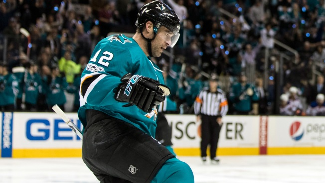 Marleau Shows Off His Maple Leafs Colors at Sharks' Practice Facility