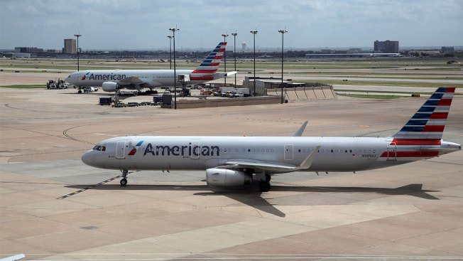 Airline Worker Sleeps in Cargo Hold From Kansas City to Chicago