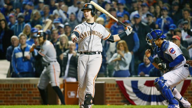 Bumgarner's shutout streak ends on Arrieta's 3-run homer