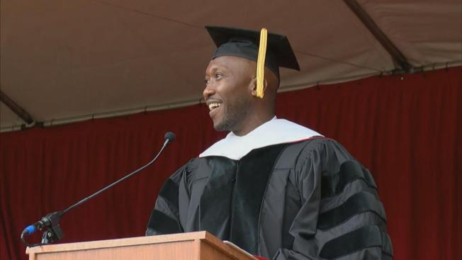 'House of Cards' Star Underscores Need for 'Patience,' 'Perseverance' in Saint Mary's Commencement Speech