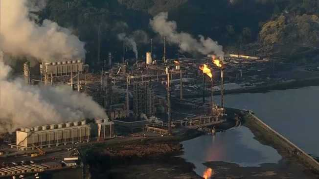 Chevron Warns Richmond Residents of Flaring at Refinery