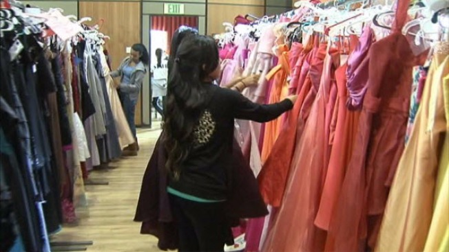 San Jose Vice Mayor Gives High School Girls Free Prom Dresses