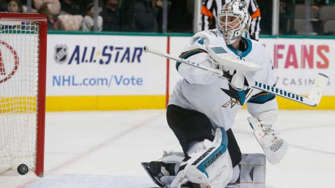Sharks Lose First Game Without Thornton, Fall to Rangers