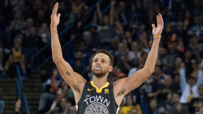 Warriors' Stephen Curry has best-selling jersey for 2nd yr