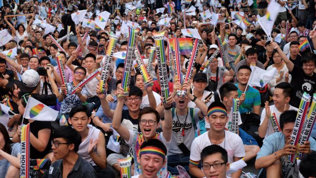 Taiwan rules in favor of same-sex marriage
