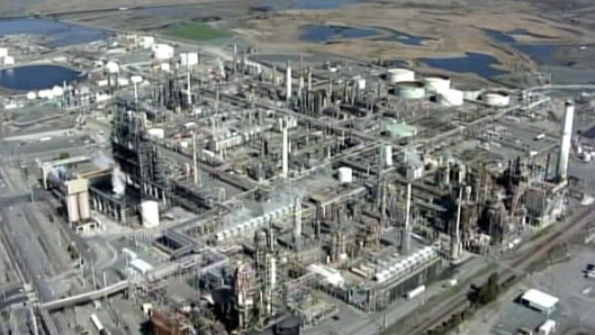 Chemical Safety Board Investigates Tesoro After Sulfuric Spill