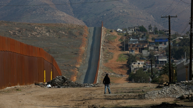 2 Migrant Teens Slain in Tijuana Robbery Attempt