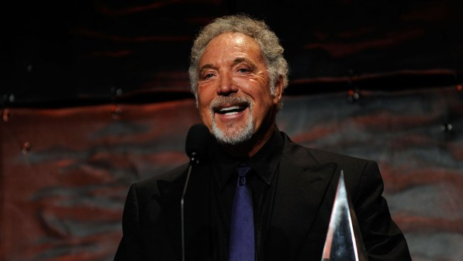Singer Tom Jones Postpones US Tour Due to Medical Issues
