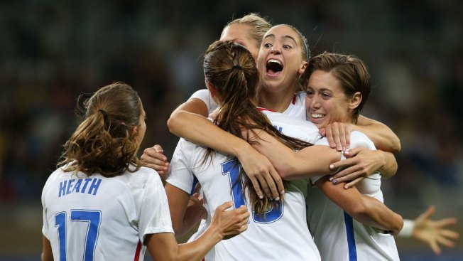 Olympic Soccer: Carli Lloyd, US Women Beat New Zealand 2-0