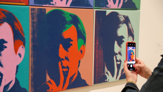 San Francisco Show Explores Warhol's Social, Tech Foreshadowing